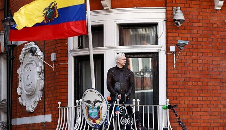 "WikiLeaks responde a amenazas de Ecuador a Assange: ""Informar no es un crimen"""