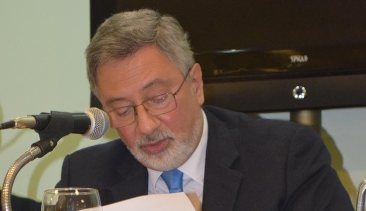 Director nacional de Aduanas, Jorge Cannon, en conferencia de prensa. Foto: Aduanas.