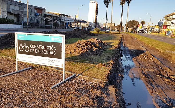 Construcción de Bicisendas / Foto: Téc. Liber Trindade