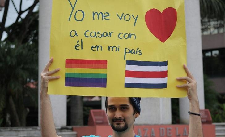 Congreso de Costa Rica tiene 18 meses para legislar el matrimonio igualitario