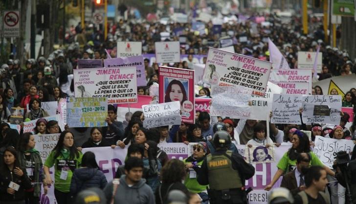 Masiva marcha feminista contra la violencia de género en Perú. Foto: Alonso Chero/ El Comercio