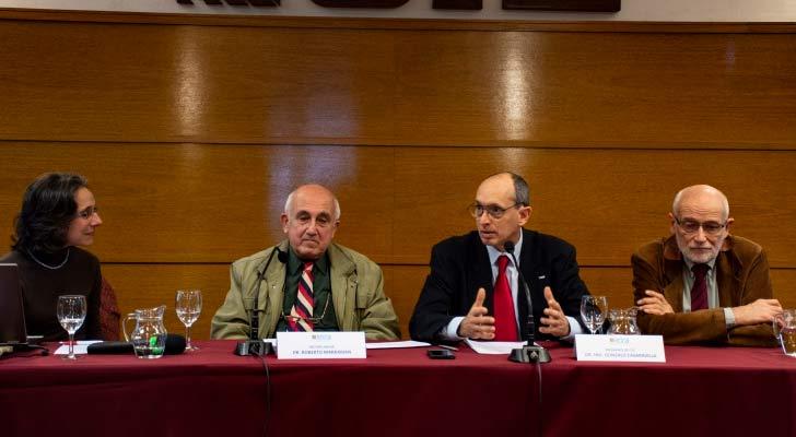 Cecilia Fernández, pro-rectora de Investigación, Roberto Markarian, rector de UDELAR, Gonzalo Casaravilla, presidente de UTE y César Briozzo, vicepresidente de UTE
