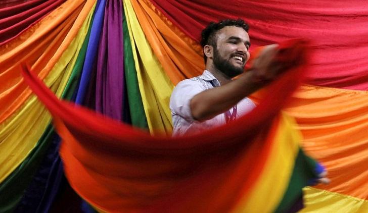 La Corte Suprema de India despenaliza la homosexualidad. Foto:DIVYAKANT SOLANKI EFE