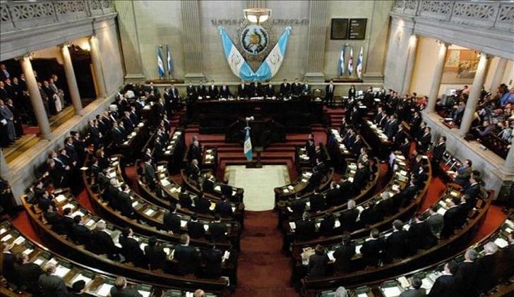 Guatemala debate una ley que castiga con cárcel los abortos involuntarios.