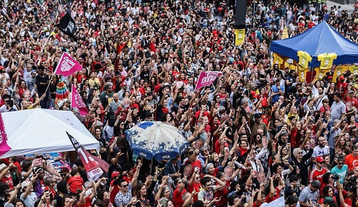 """""""Festival Lula Libre"""" reunió a una multitud en San Pablo"""