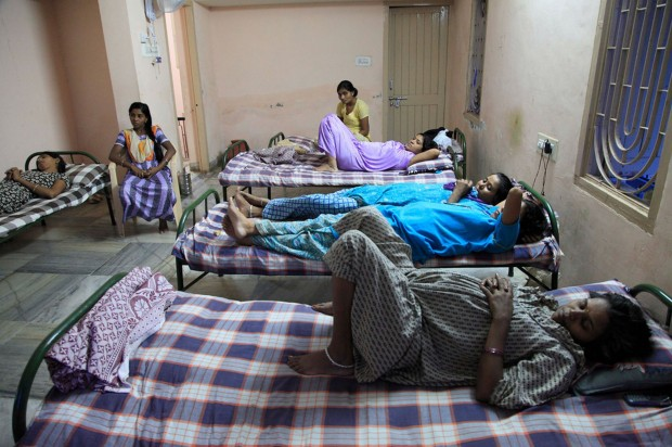 """Una """"granja de bebés"""" en India"""