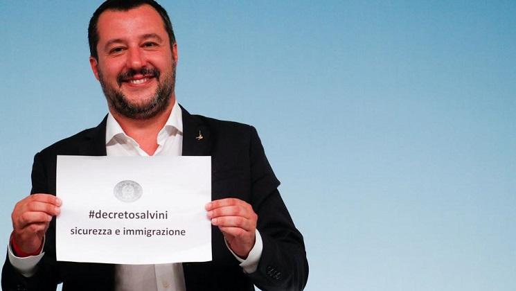 Italia aprueba un nuevo decreto antiinmigrante
