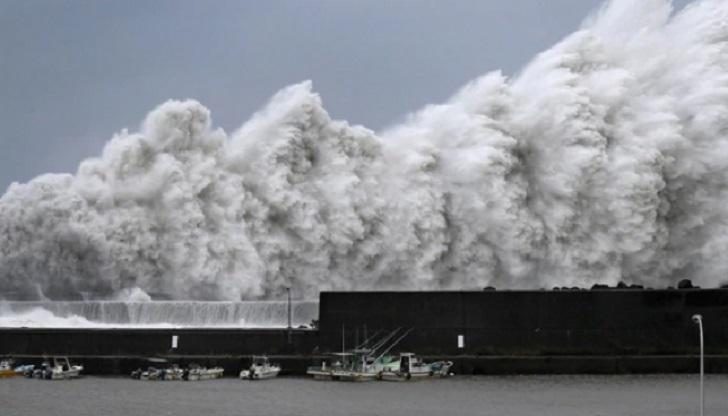 El mayor tifón de los últimos años golpea Japón