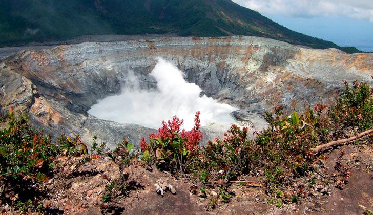 volcan-poas-costa-rica