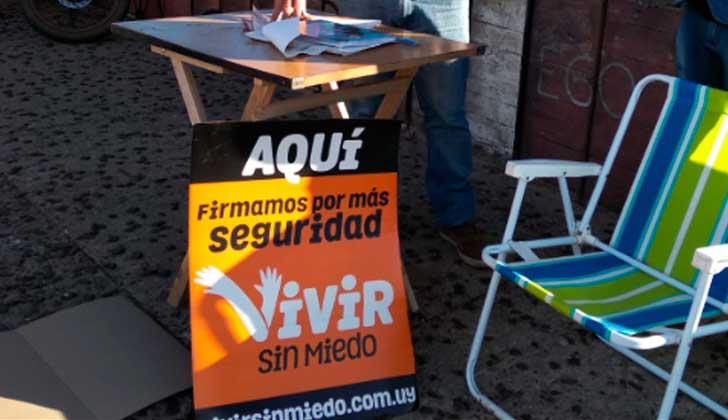 """Abdala dijo que personas de todos los partidos están firmando por """"Vivir sin miedo"""". Foto:@vivirsinmiedouy"""