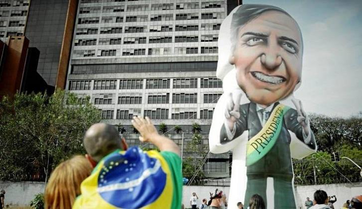 """El exlíder del Ku Klux Klan elogia a Bolsonaro: """"Él suena como nosotros"""""""