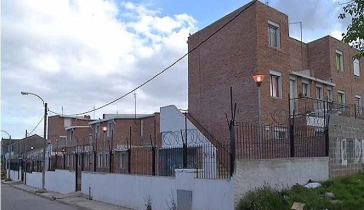 Complejo de viviendas  usurpado por clan de marcotráficantes. Foto: Ministerio del Interior.