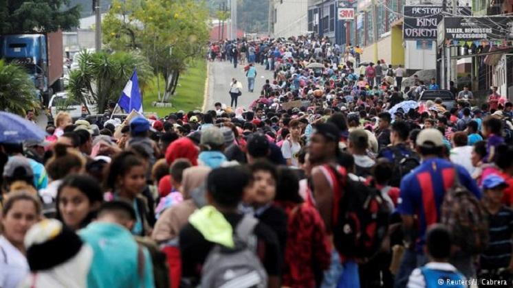 Caravana migrante parte de Honduras rumbo a Estados Unidos