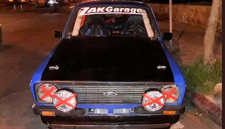 """Uno de los dos automóviles incautados por participar de """"picadas"""" . Foto: Intendencia de Montevideo."""