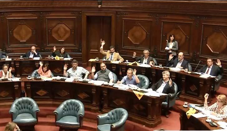 Frente Amplio y Partido Independiente votan en general proyecto de Ley Trans.