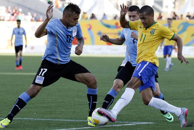 Clayton-Silveira-Brasil-Mathias-Uruguay_LPRIMA20150723_0221_32