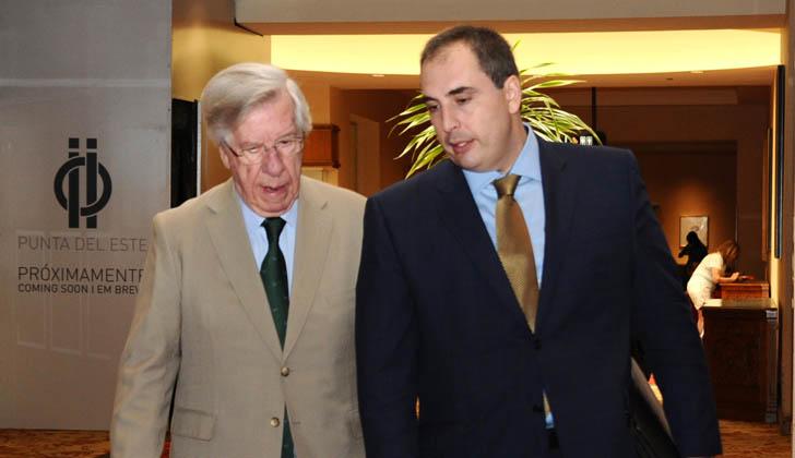 Ministro Astori junto al subsecretario Ferreri. Foto: Presidencia de la República.