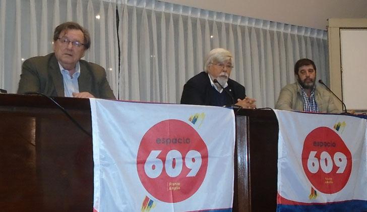 Ex presidente de la Cámara de la Construcción, José Ignacio Otegui; ministro del Interior, Eduardo Bonomi; y el presidente del PIT-CNT, Fernando Pereira. Foto: LARED21.