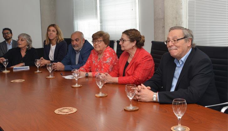 María Dibarboure, Zelmira May, Wilson Netto, Ana Lopater, Edith Moraes y Ricardo Ehrlich. Lanzamiento del X Congreso Iberoamericano de Educación Científica. Foto: Presidencia de la República.