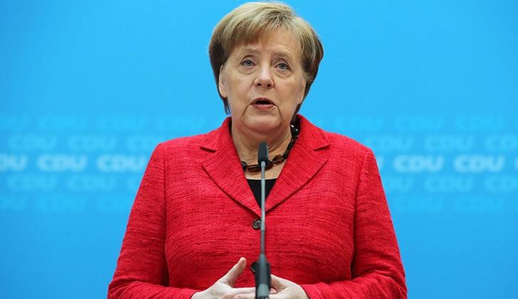 A cien años del sufragio femenino en Alemania Merkel abogó por más presencia femenina en el Parlamento