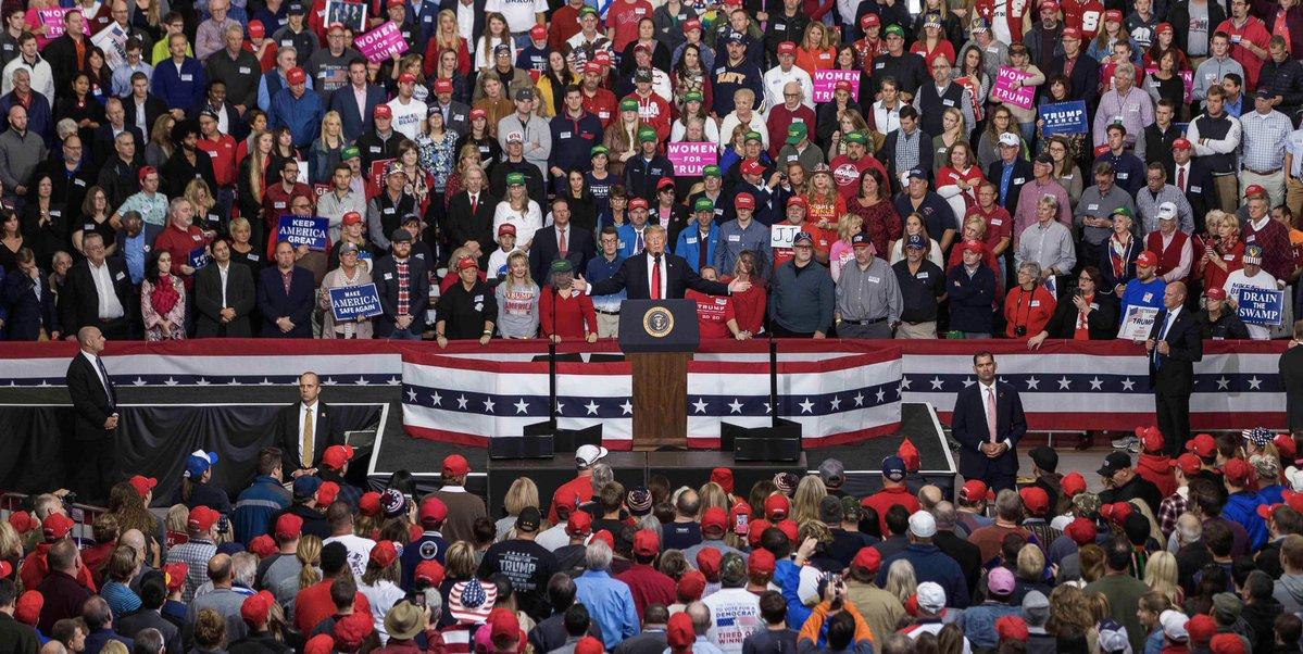 Trump en un mitín político en Indiana, Indianapolis. Foto: Twitter/RealDonaldTrump