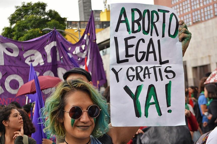 Pañuelazo en Ciudad de México por el aborto legal en Argentina. Foto: Flickr / ProtoplasmaK