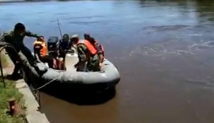 Armada Nacional realiza traslados a ambas márgenes.