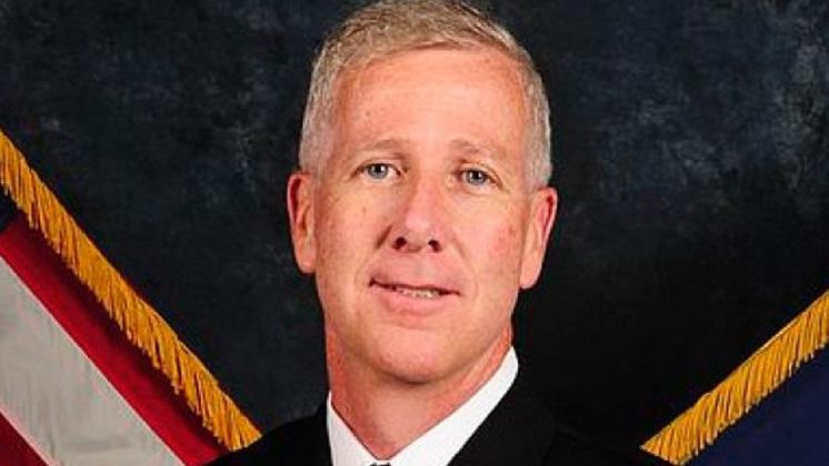 Renuncia el secretario general del Pentágono