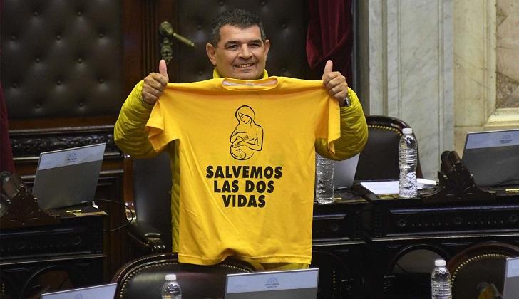 """Candidato argentino: """"Para el niño por nacer el lugar más inseguro es el vientre de la madre""""."""