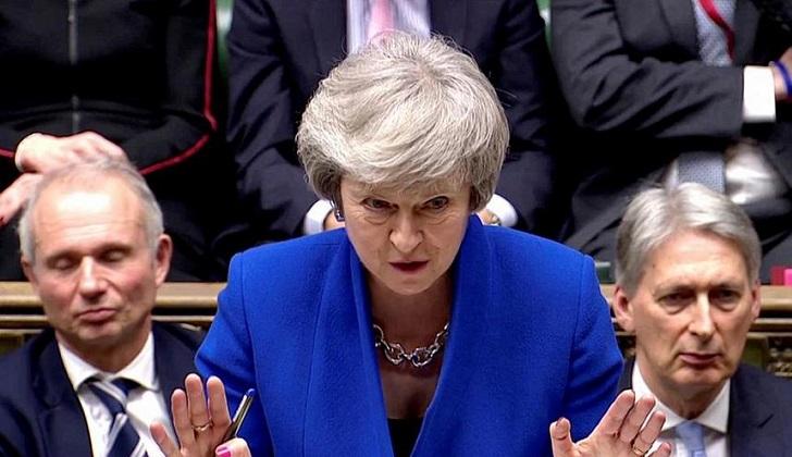 Theresa May sobrevivió a la moción de censura.