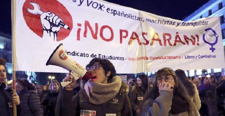 """Españolas le dicen """"no"""" al partido ultraderechista Vox."""