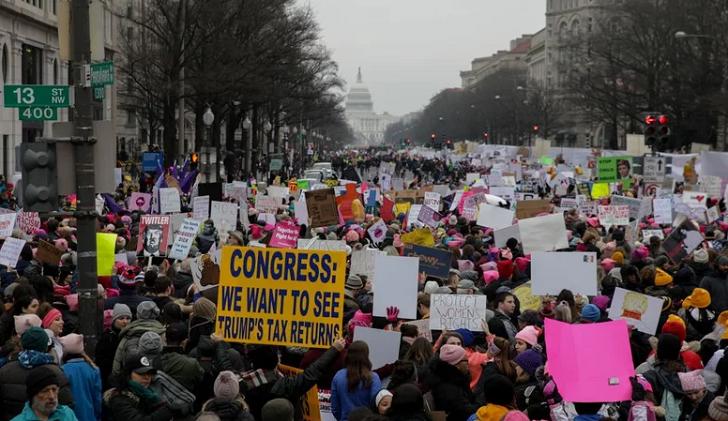 Miles de mujeres marcharon por tercer año consecutivo contra Trump.