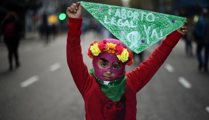 """Argentina: le harán cesárea a la niña violada para """"salvar"""" al feto. Foto ilustrativa."""