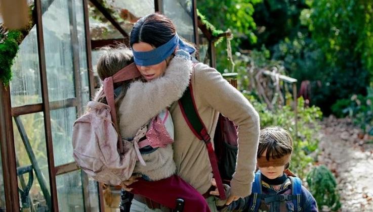Netflix emite alerta por un nuevo reto viral inspirado en la película Bird Box.