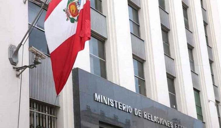 Perú anuncia que impedirá el ingreso a Maduro y miembros del gobierno de Venezuela.