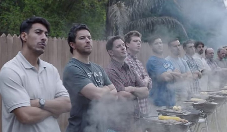 """Gillette lanza publicidad contra """"la masculinidad tóxica""""."""