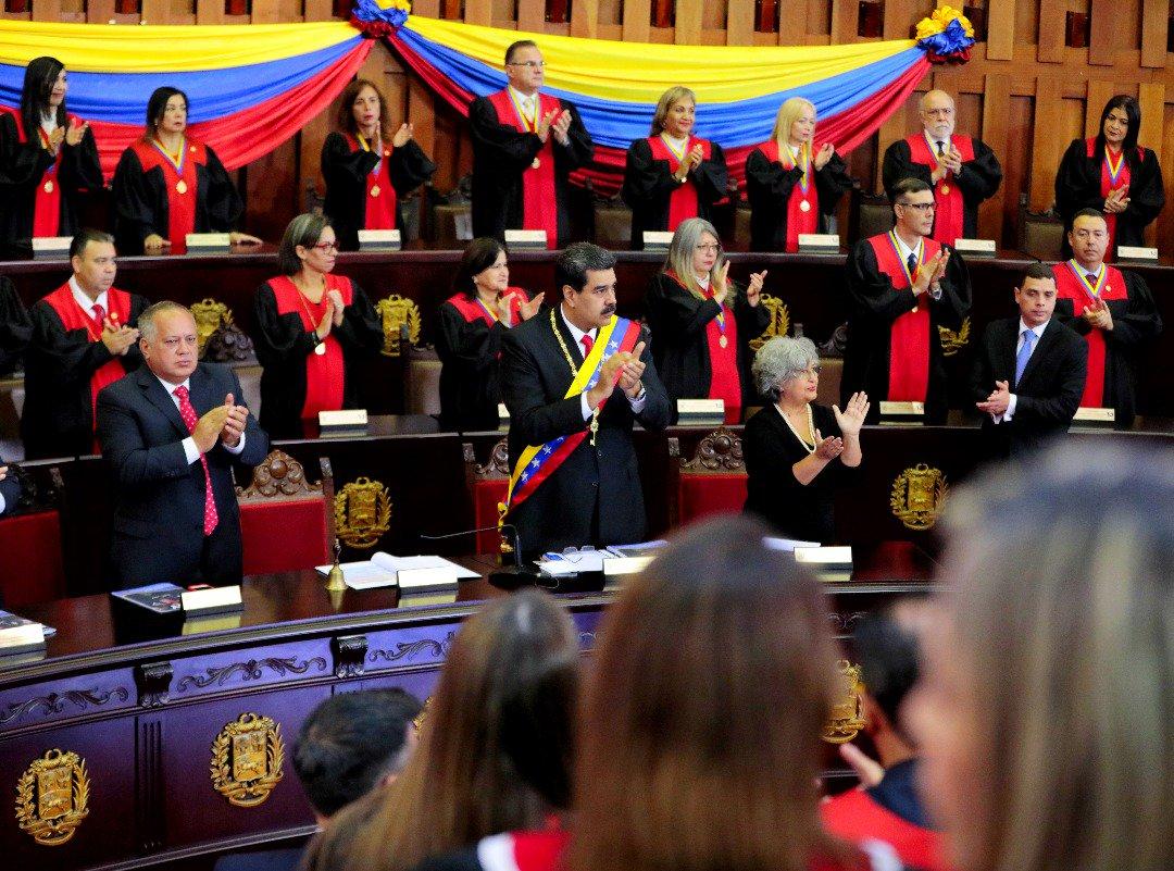 Nicolás Maduro ante el Tribunal Supremo de Justicia. Foto: Twitter/NicolasMaduro
