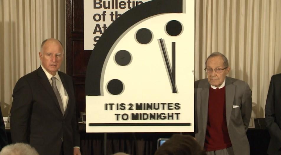 reloj 2 minutos medianoche
