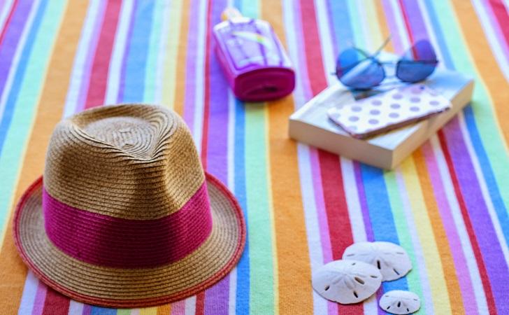Protector, sombrero y lentes: recomendaciones para cuidarse del sol . Foto: Pixabay