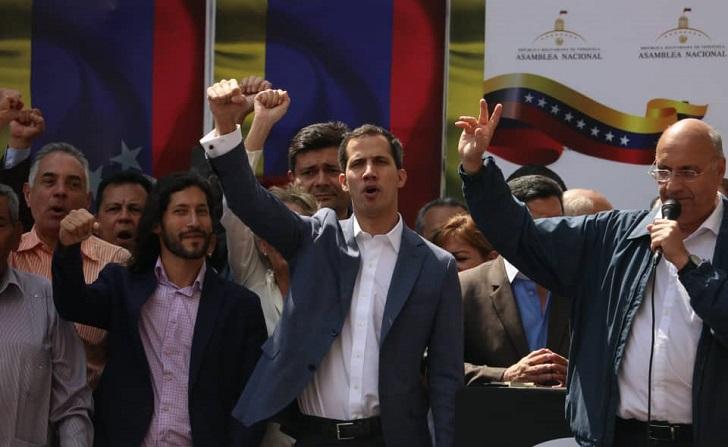 El titular de la Asamblea Nacional se proclamó presidente en Venezuela