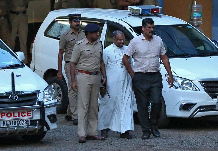 Franco Mulakkal violó de una monja trece veces, pero pasó menos de un mes en prisión.  Foto: REUTERS/Sivaram V