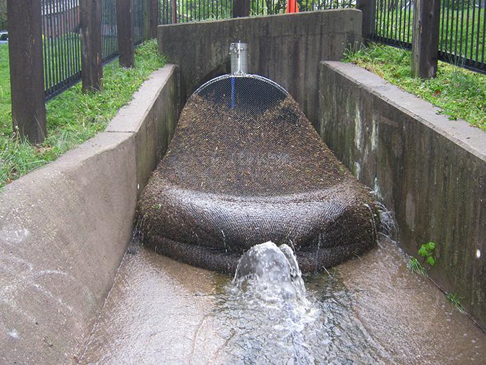 drainage-nets-catching-trash-kwinana-city-5bfd53cbb64c7__700