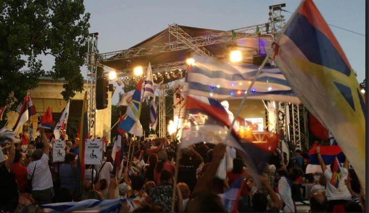 Multitudinario acto por los 48 años del FA en el Parque Rodó.