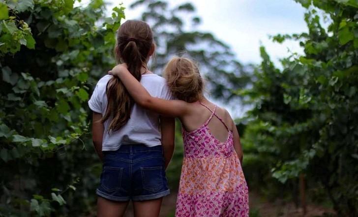 Estudio: tener una hermana tiene un efecto antidepresivo