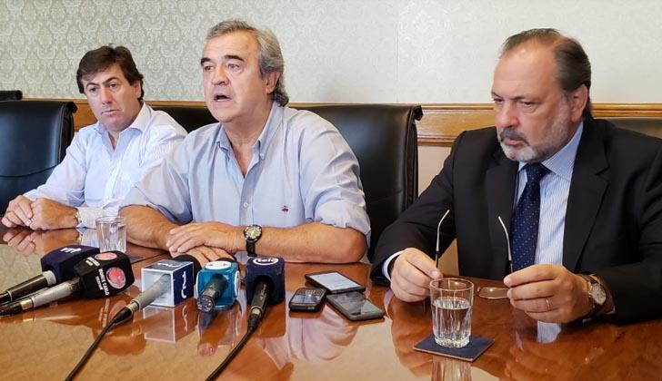 Diputado Richard Charamelo, senador Jorge Larrañaga y diputado Jorge Gandini.