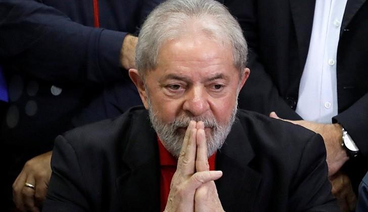 La Justicia brasileña condena nuevamente a Lula a 12 años y 11 meses de prisión .