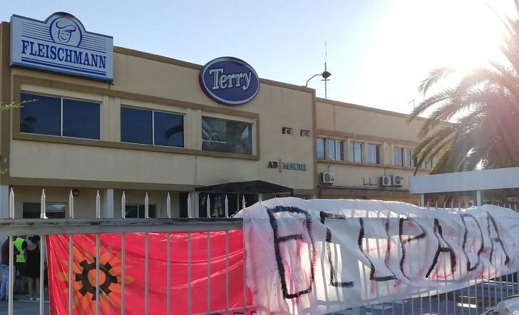 """Topolansky: Trabajadores de Fleischmann """"hicieron bien en ocupar la planta"""". Foto: @SincialesUY"""
