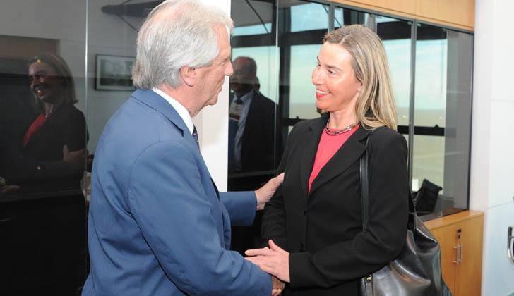 Presidente Tabaré Vázquez recibe a la Alta representante para Asuntos Exteriores y Política de Seguridad, Federica Mogherini. Foto: Presidencia de la República.