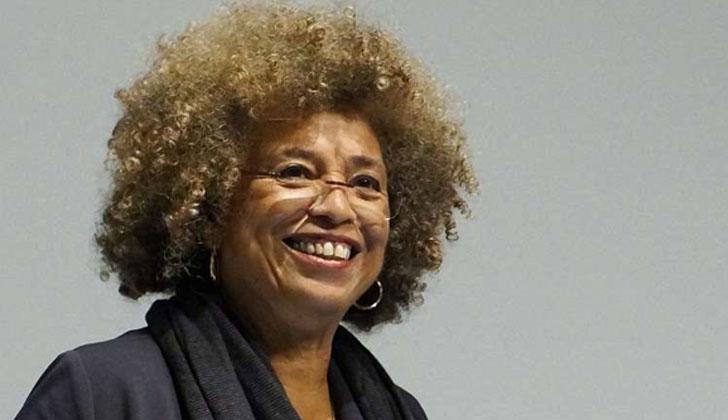 Ángela Davis, activista feminista, antirracista y militante afro.