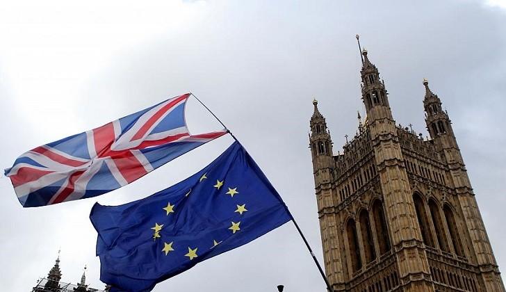 Parlamento británico rechaza segundo referéndum y pide a la UE una prórroga del Brexit